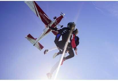 Tandemhüpelangevarjuga 4000m kõrguselt